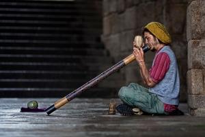 Didgeridoo_street_player-2